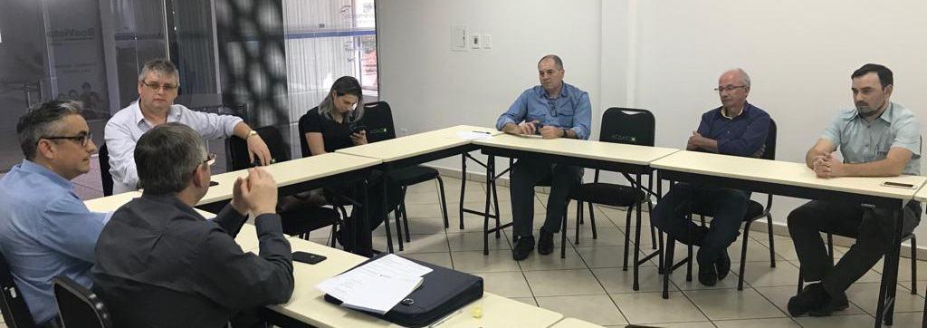 Primeiro da série de encontros, com o presidente Claudinei Bertotto, pelo estado, aconteceu em São Miguel do Oeste – Foto: Assessoria